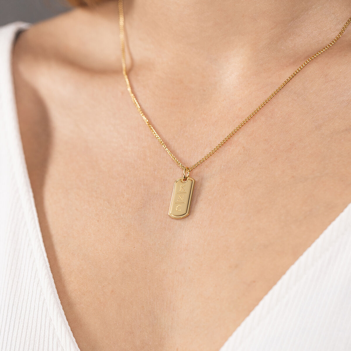 Tag necklace gold model